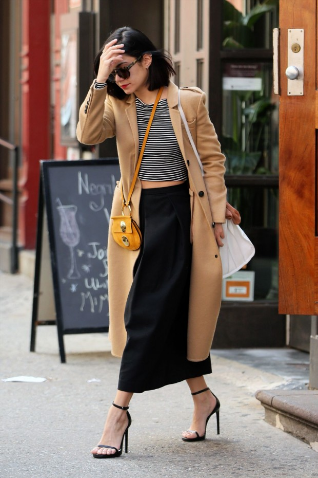 vanessa-hudgens-spring-style-leaving-her-apartment-in-soho-april-2015_3-620x930
