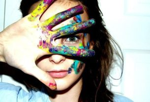 beautiful-color-eye-girl-hand-Favim.com-251974
